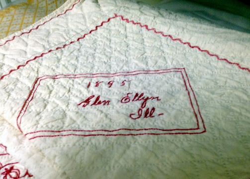 A historic quilt from 1895 - I presume!