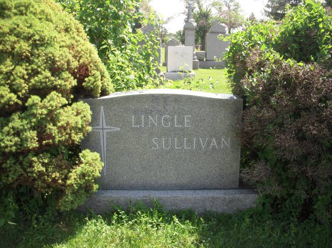 The grave marker of Jake Lingle's family, a Chicago Tribune reporter during the 1920s.