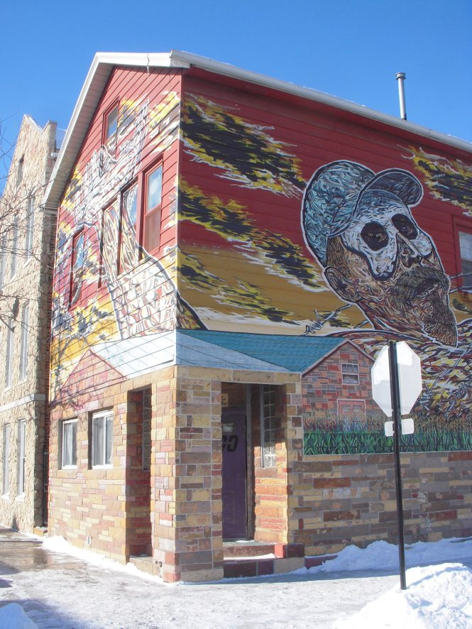 Hector Duarte's studio and the Gulliver in Wonderland Mural